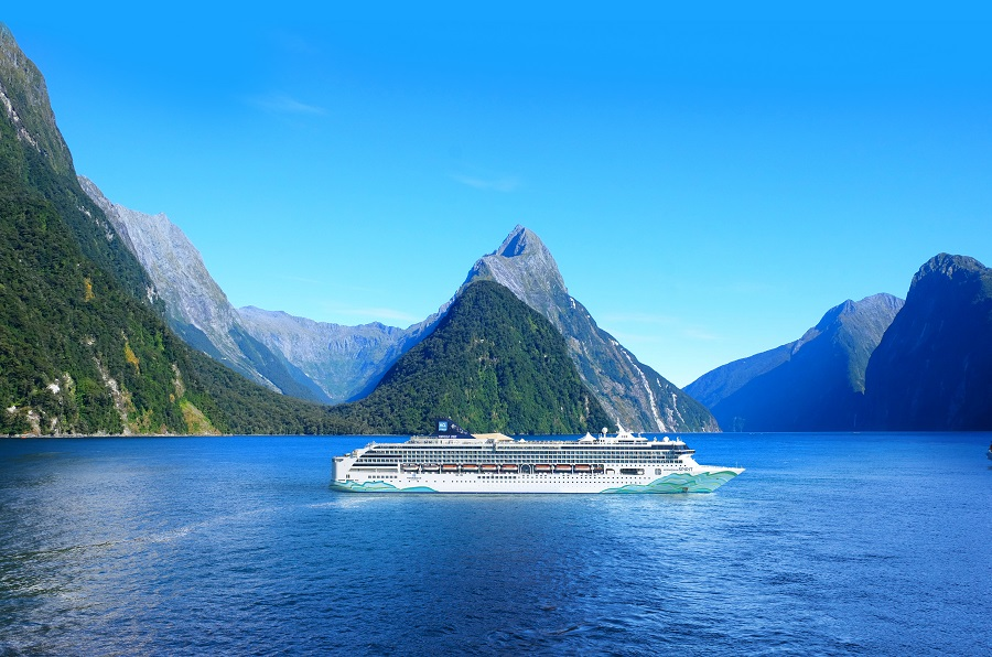Norwegian Spirit Milford Sound
