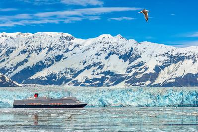 Cunard Queen Elizbath at Hubbard Glacier