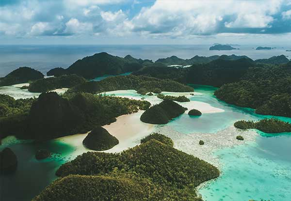 Crystal-Cruises-Only-Raja-Ampat-Indonesia